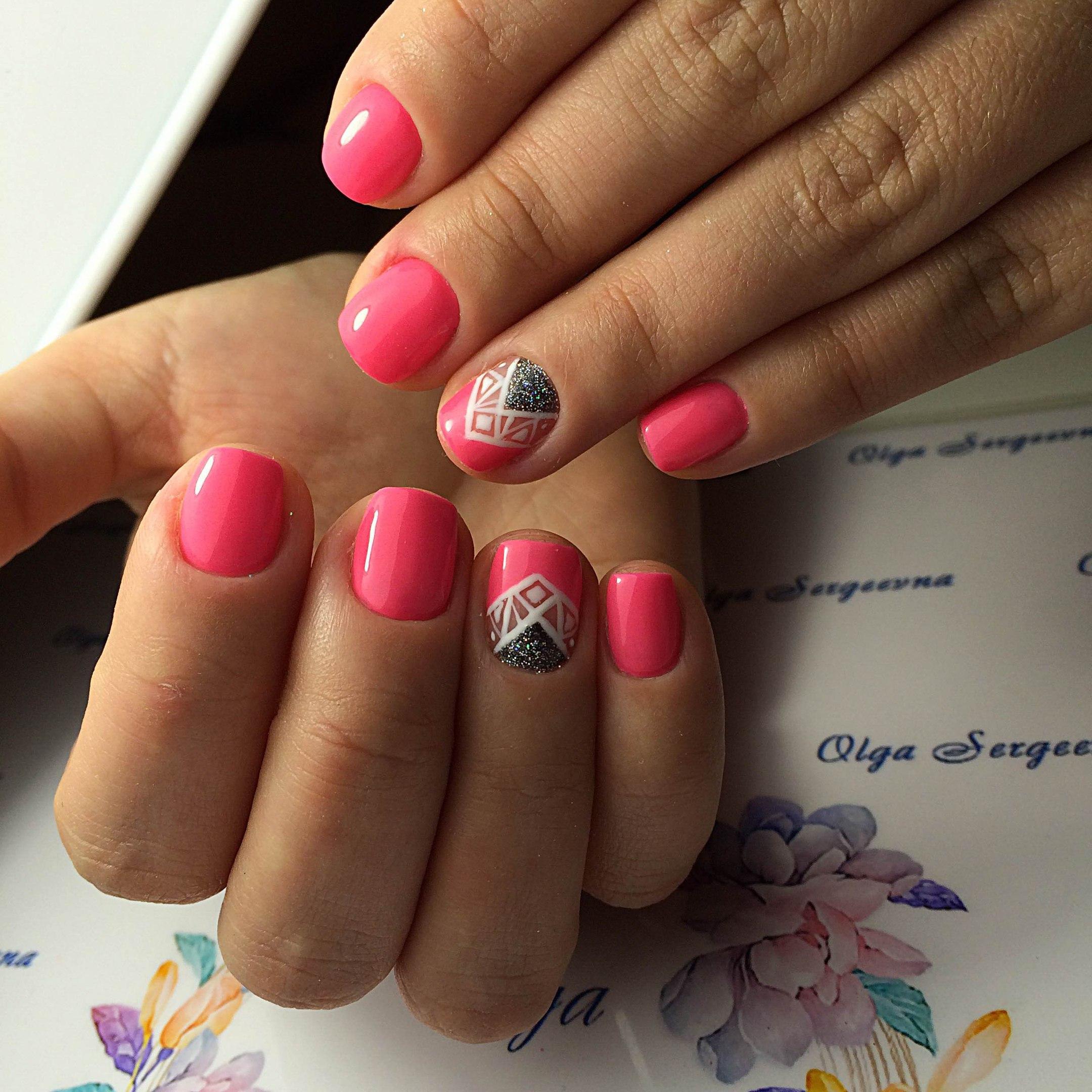Маникюр гель лаком на маленькие ногти