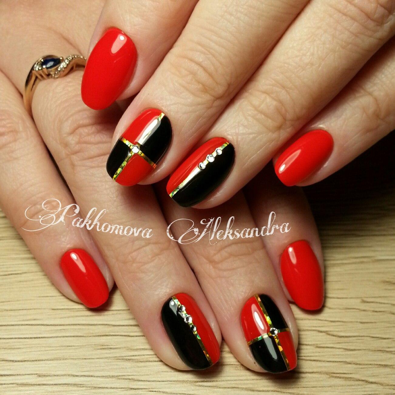 Красные стильные ногти фото