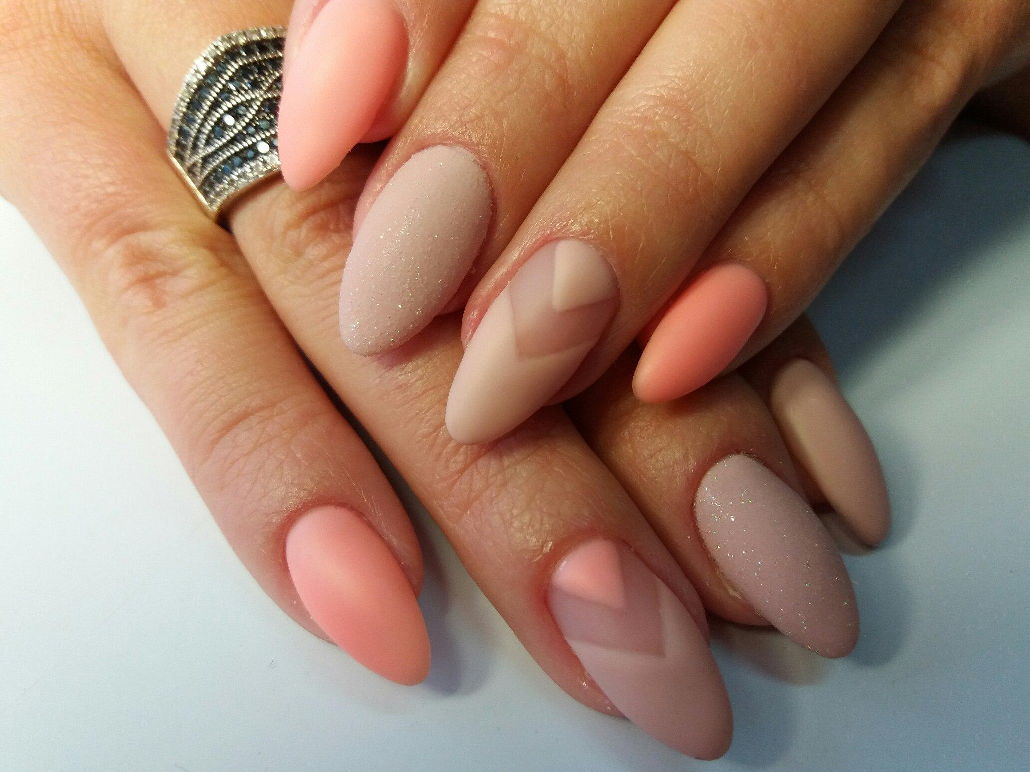 Маникюр миндалевидных ногтей фото