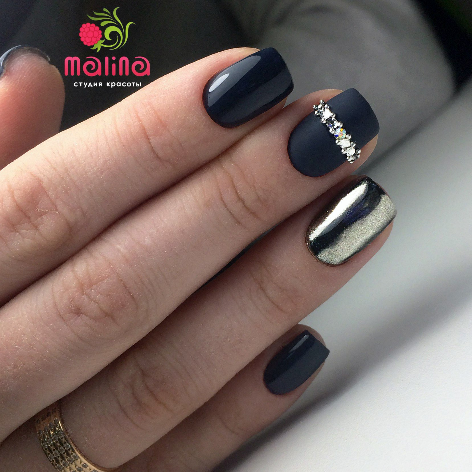 Дизайн ногтей с втиркой фото и матовый