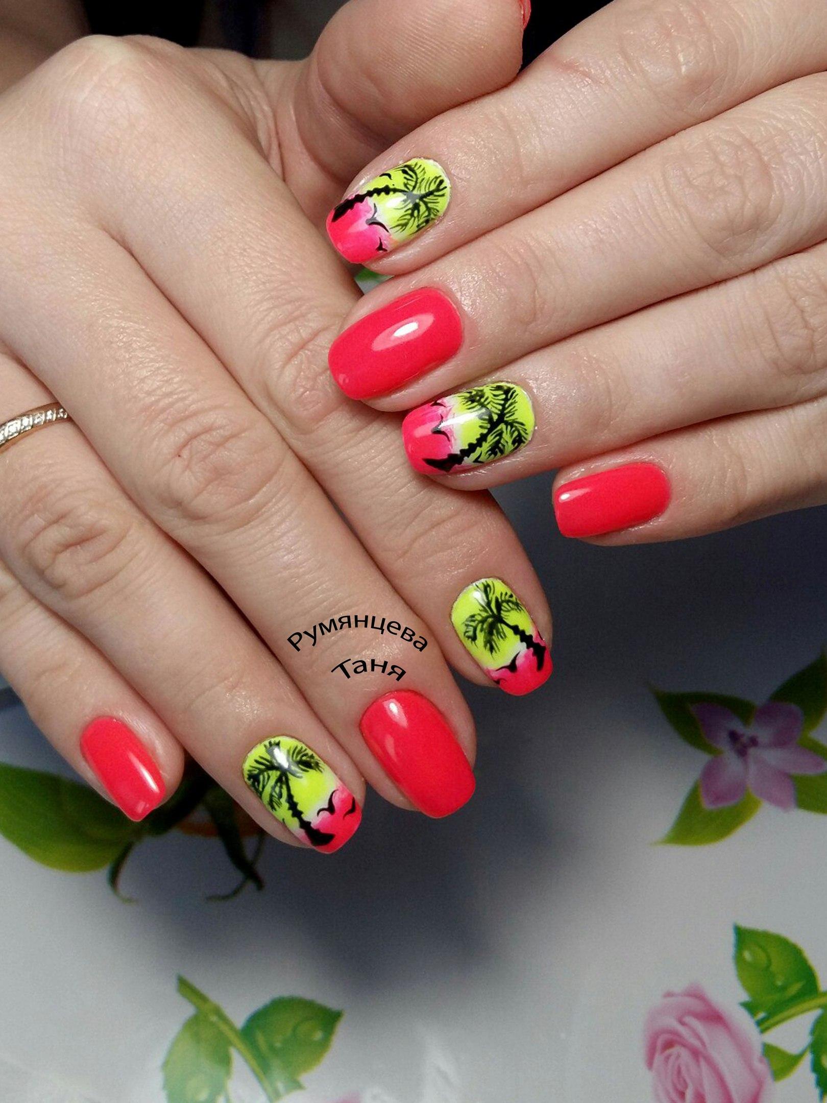 Летний дизайн ногтей, яркий летний маникюр с цветами 36