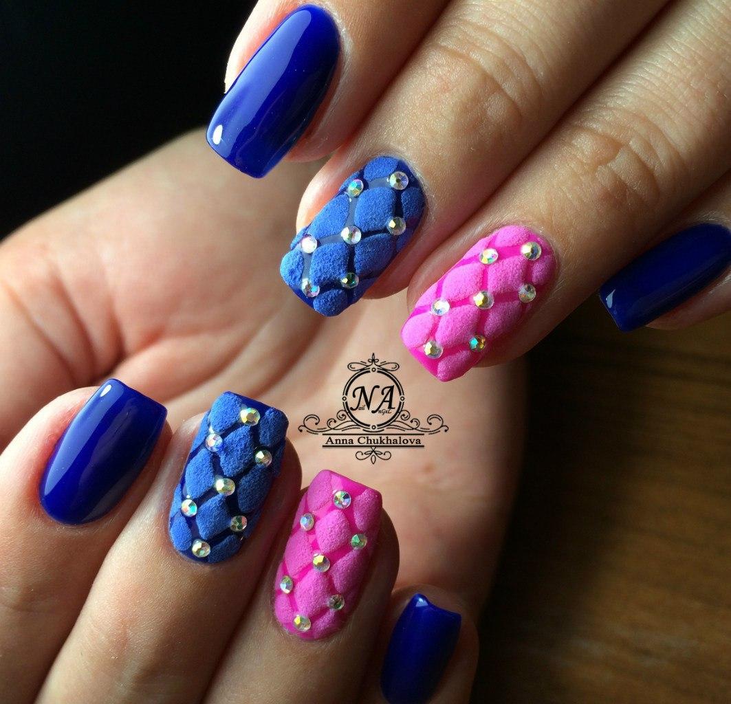 Фото ногтей синий с розовым