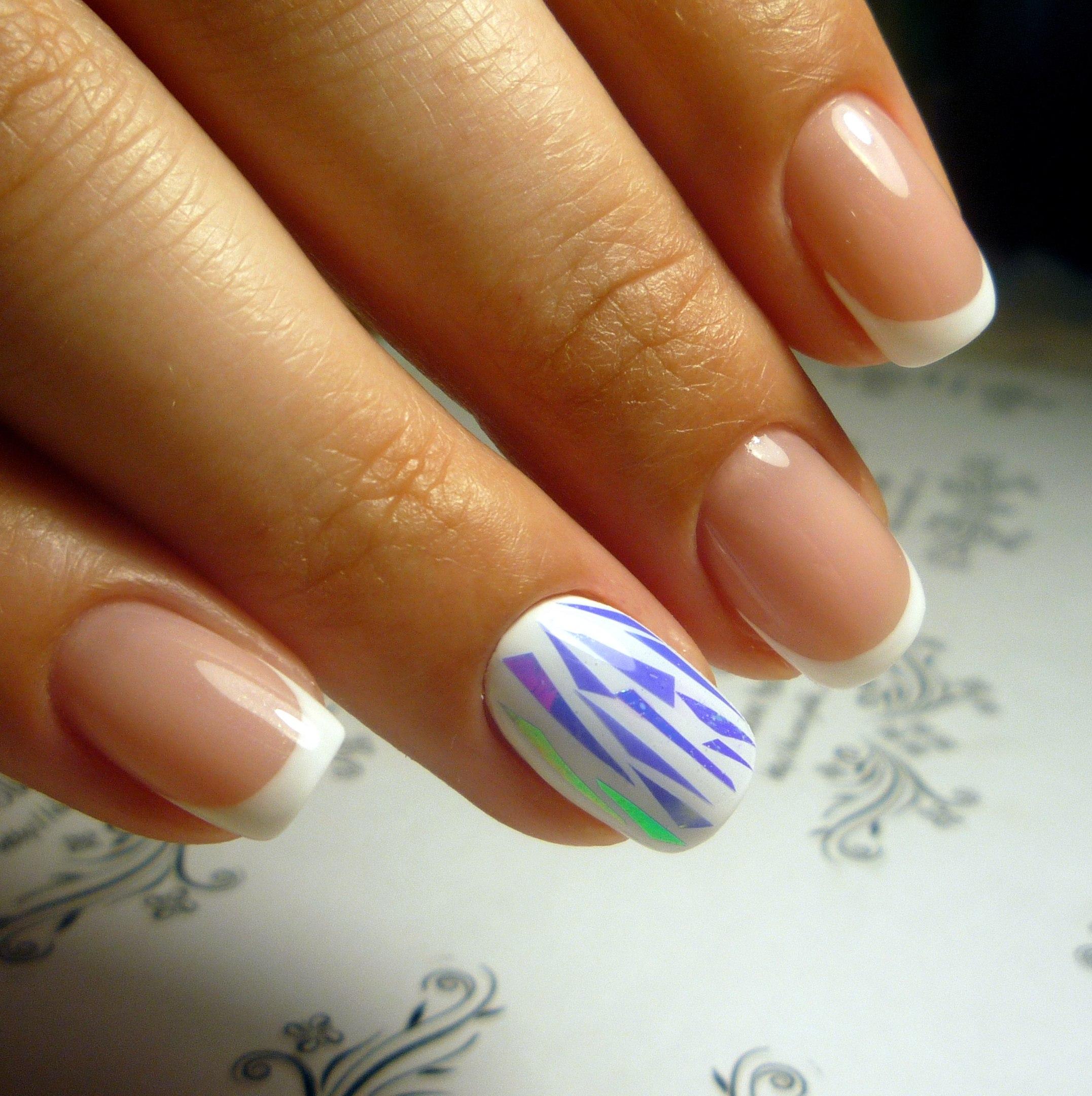 Коралловый дизайн ногтей фото с битым стеклом