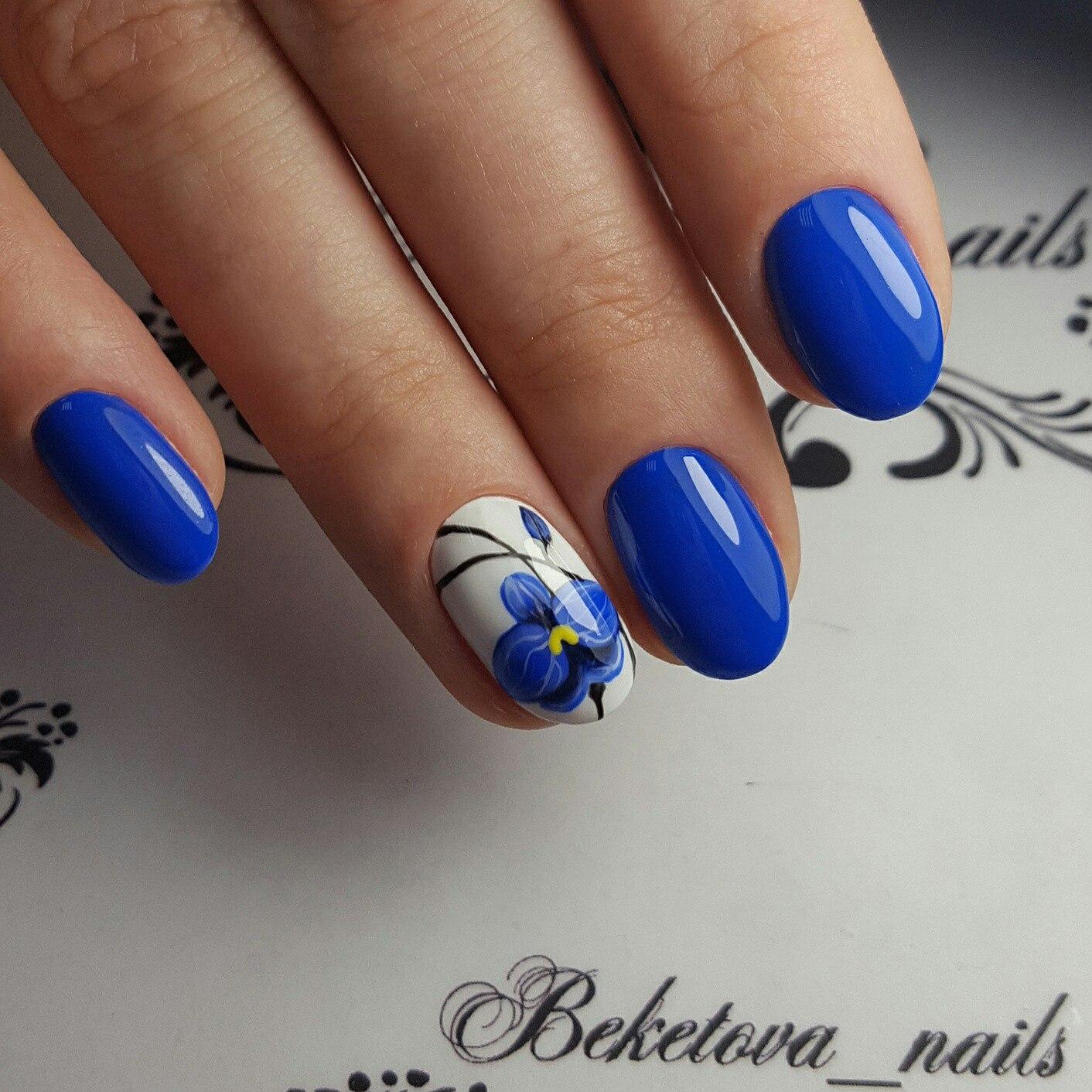 Роспись ногтей яркие