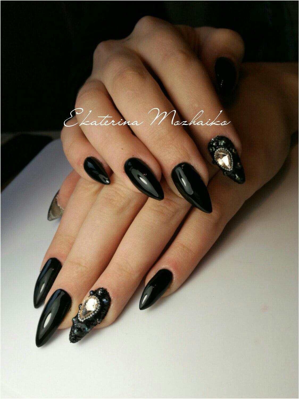 Дизайн острых черных ногтей фото