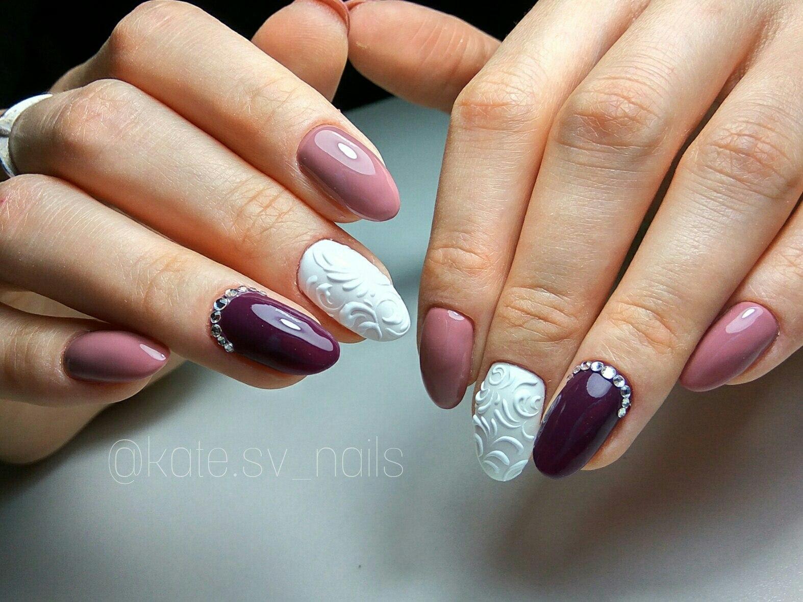 Маникюр на миндальные ногти