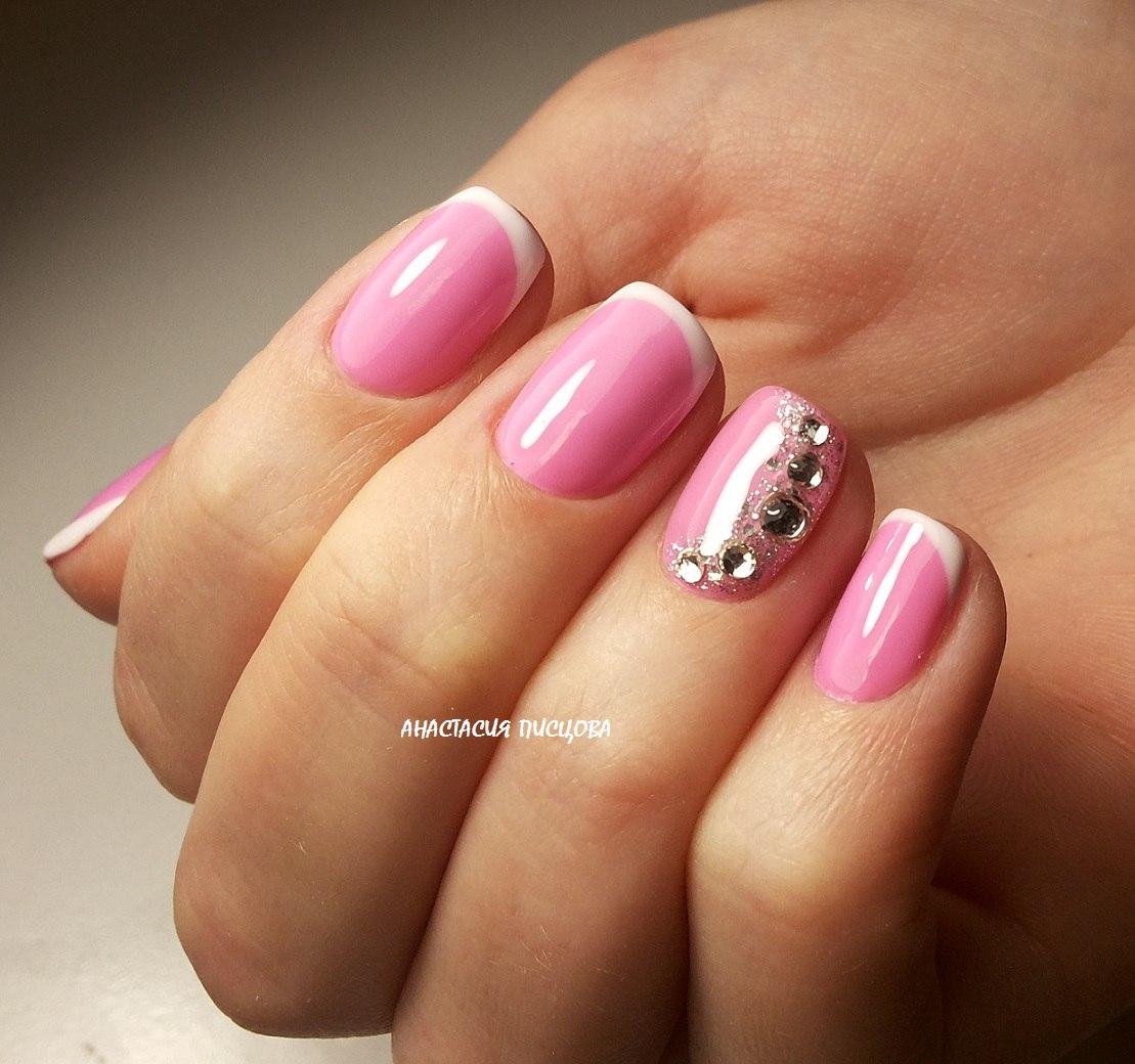 Ногти нежно розовый с белым фото