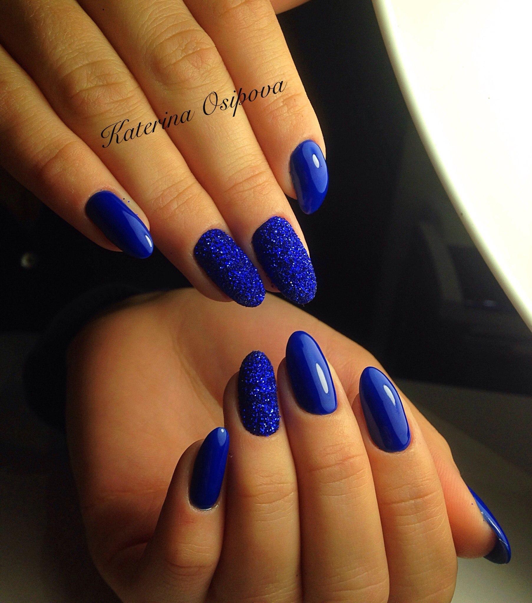 Маникюр на длинные ногти синий цвет