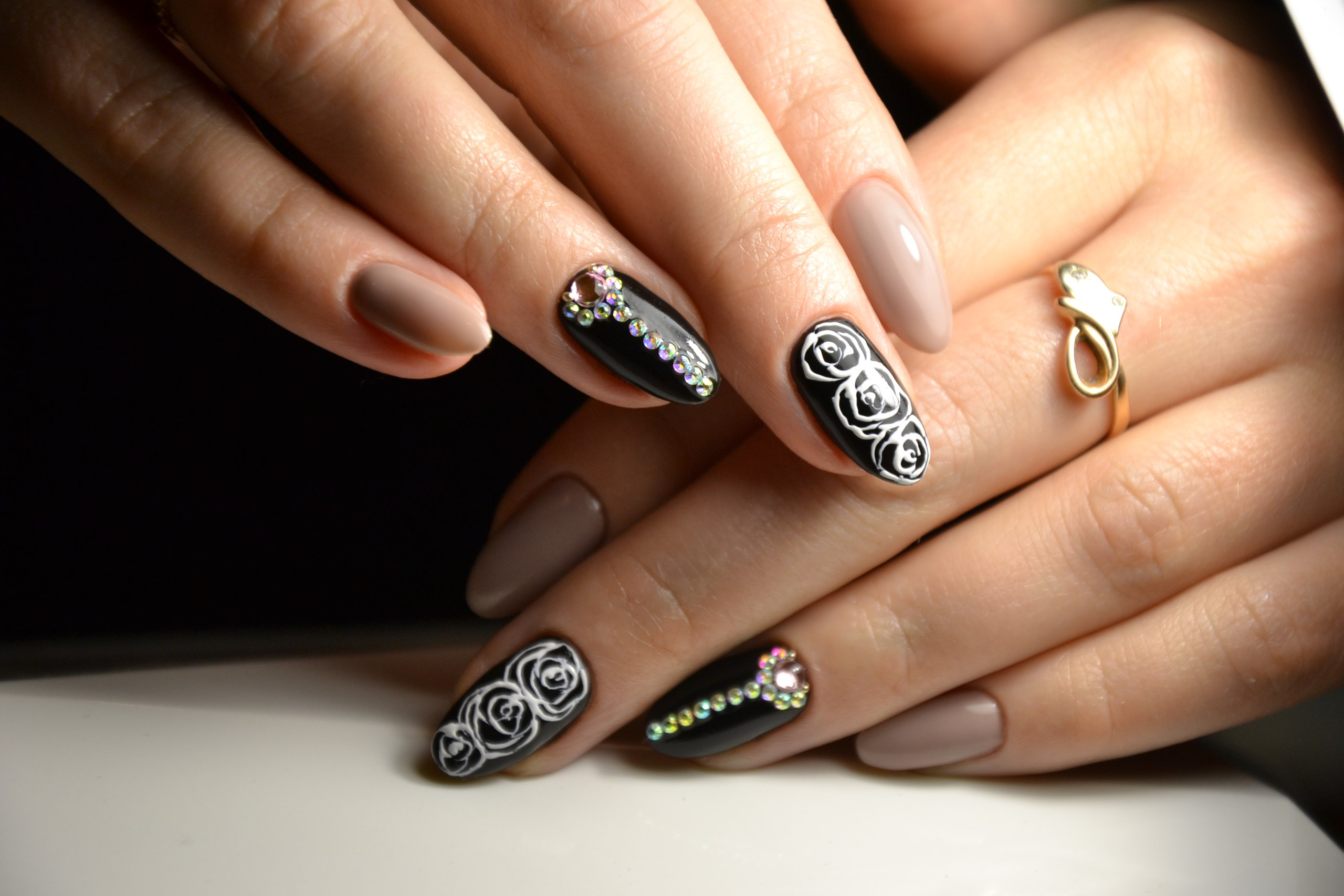 Дизайн для формы ногтей миндаль фото