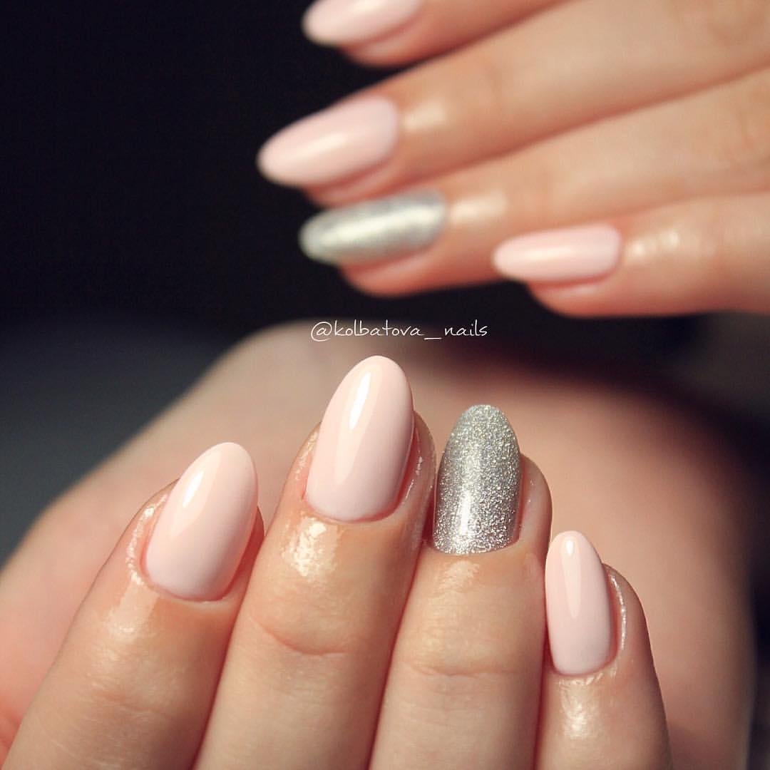 фото ногтей со светлым лаком