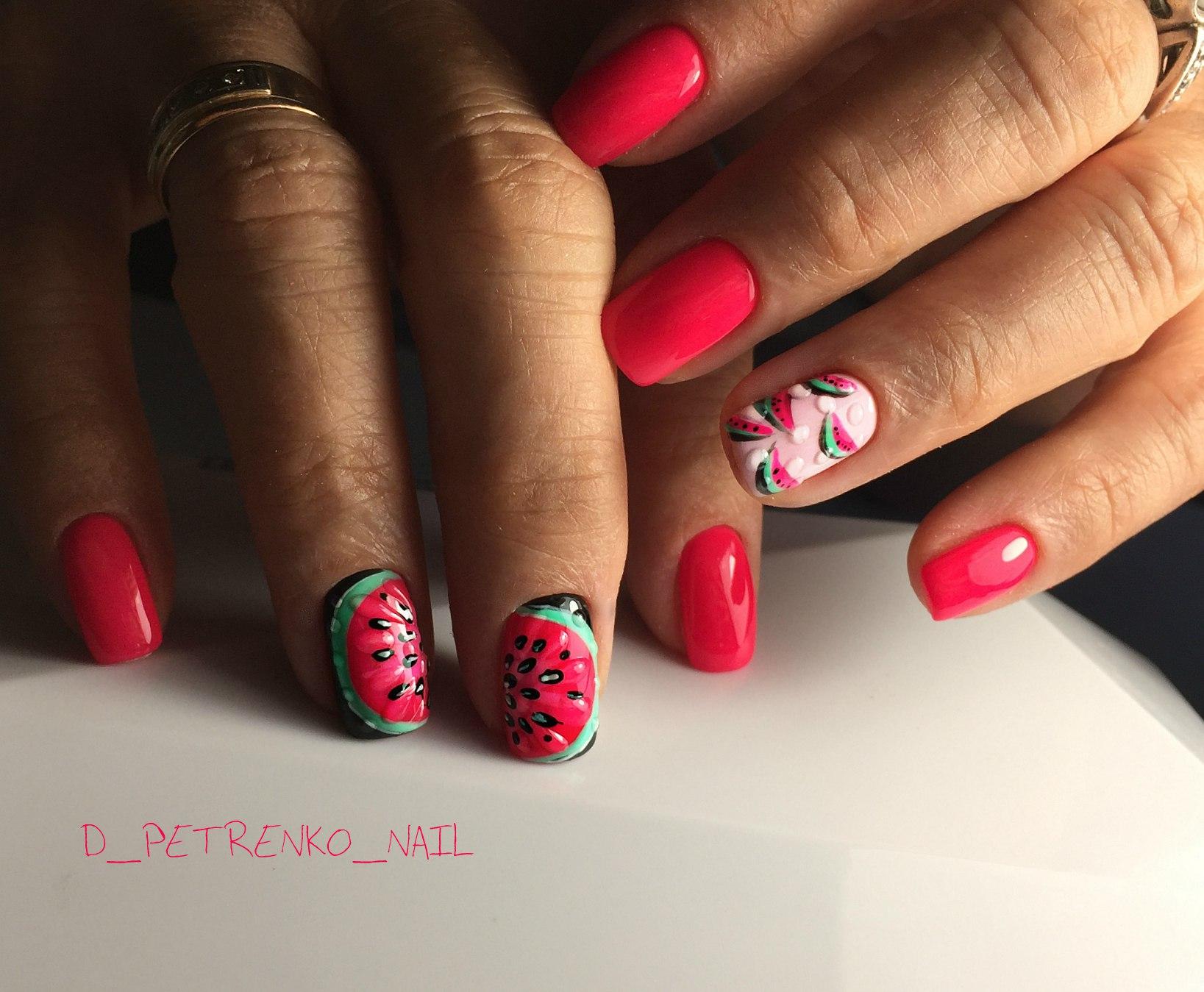 Дизайн минимализм на ногтях фото