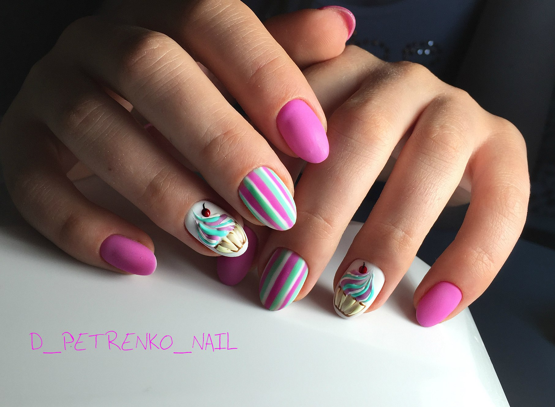 Дизайн ногтей бордовый цвет острые 73