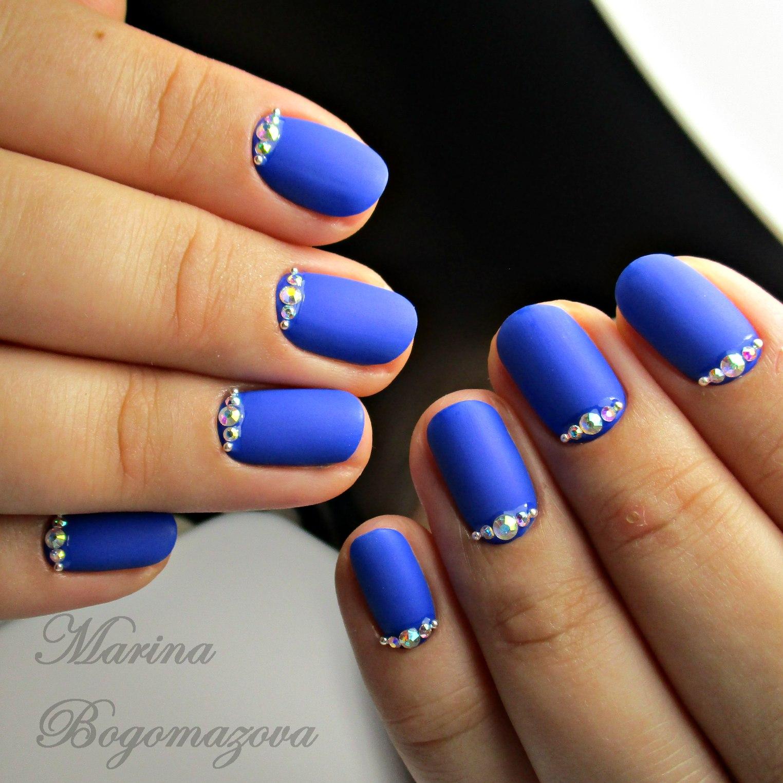 Идеи маникюра гель лаком синего цвета