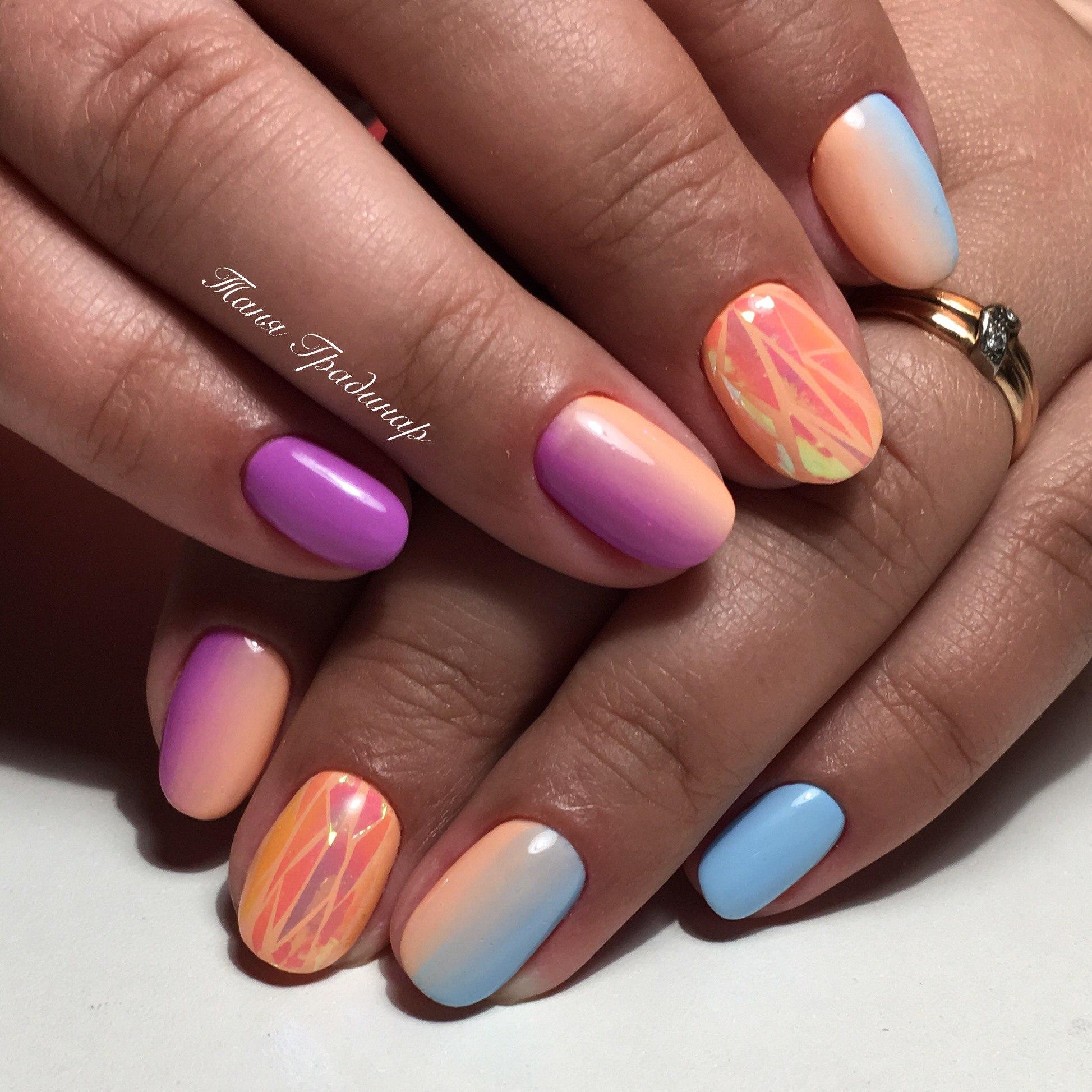 Дизайн на средних ногтях