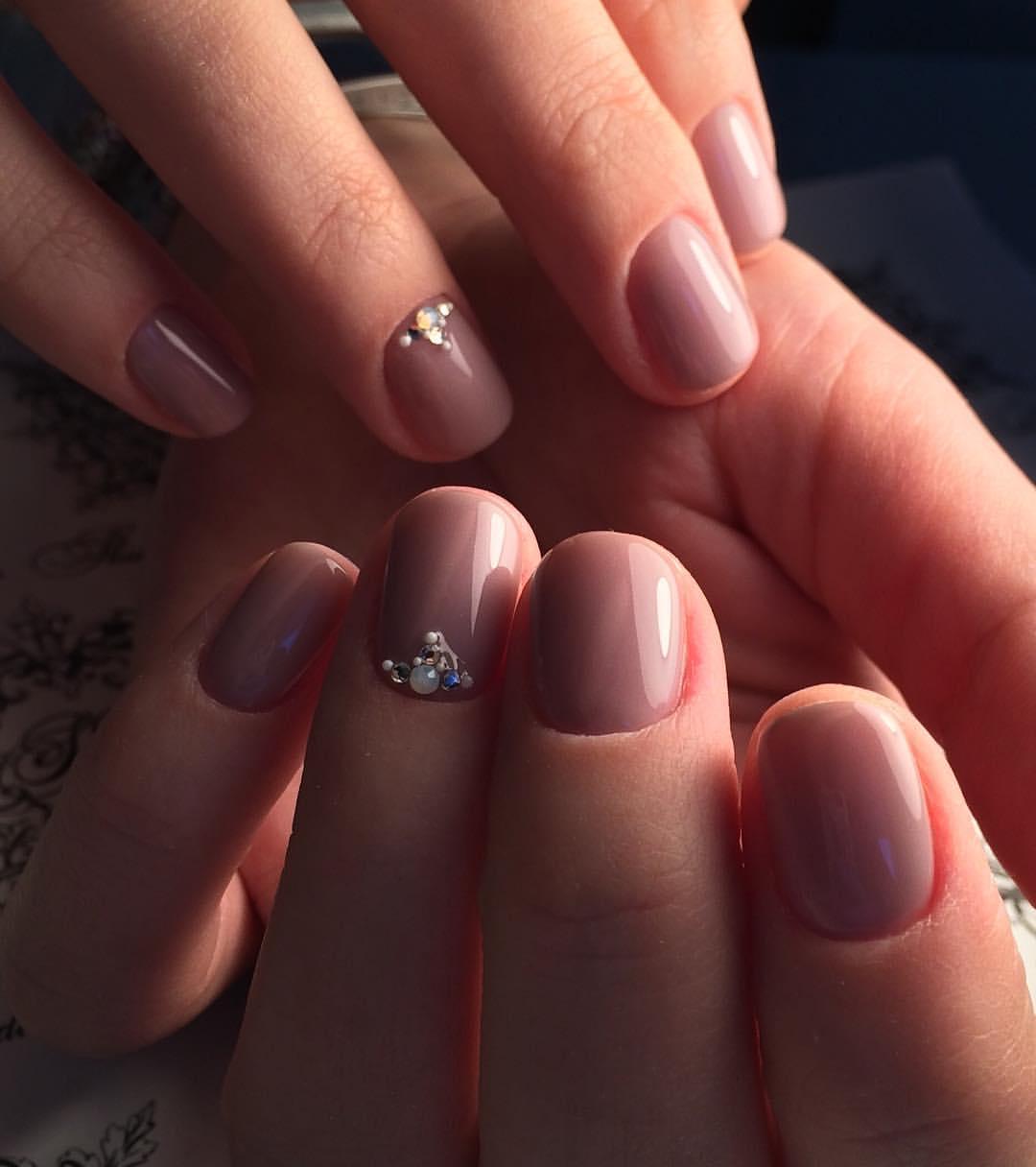 Гель-лак фото дизайн на коротких ногтях 2018 классический вид