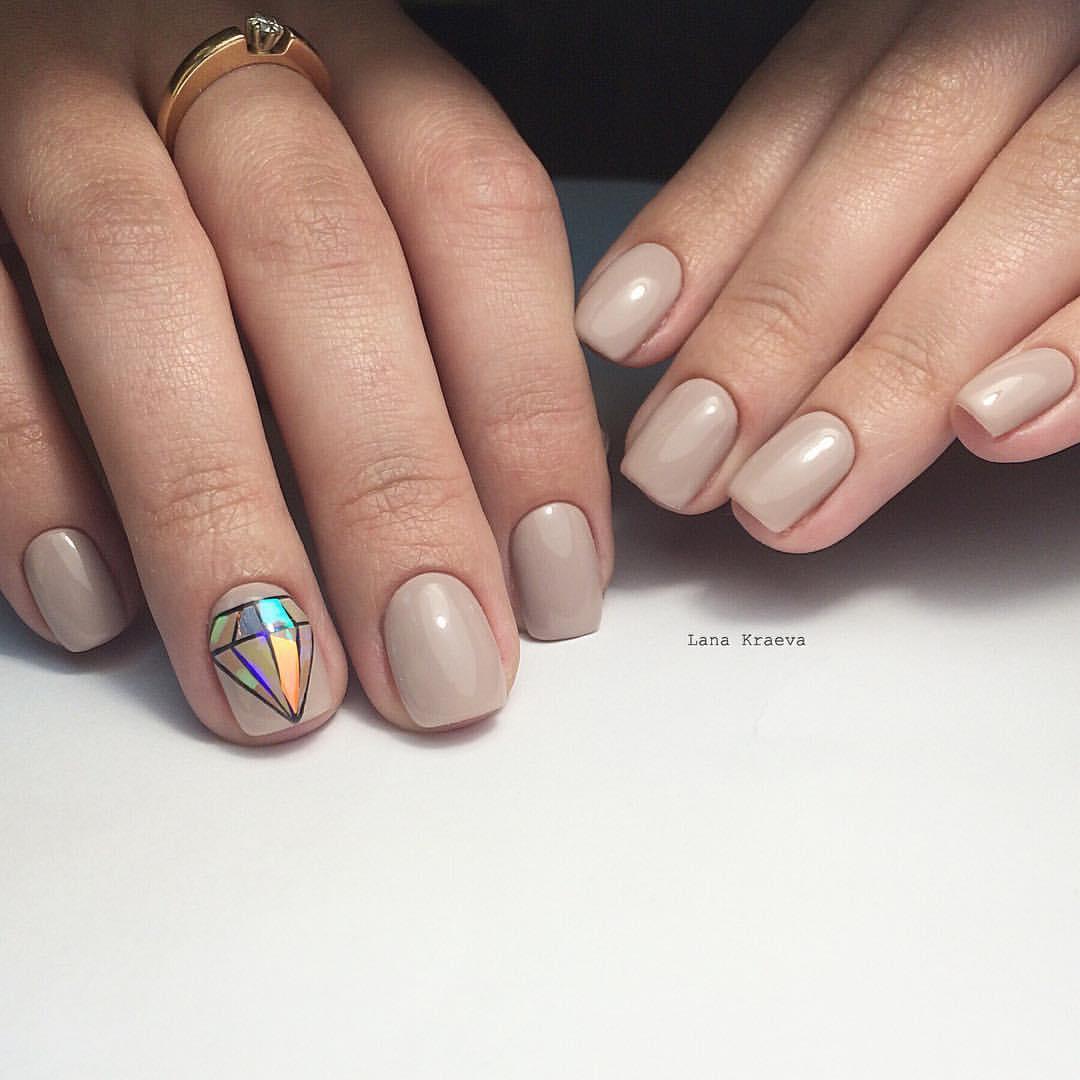 Гель-лак фото дизайн на коротких ногтях беж