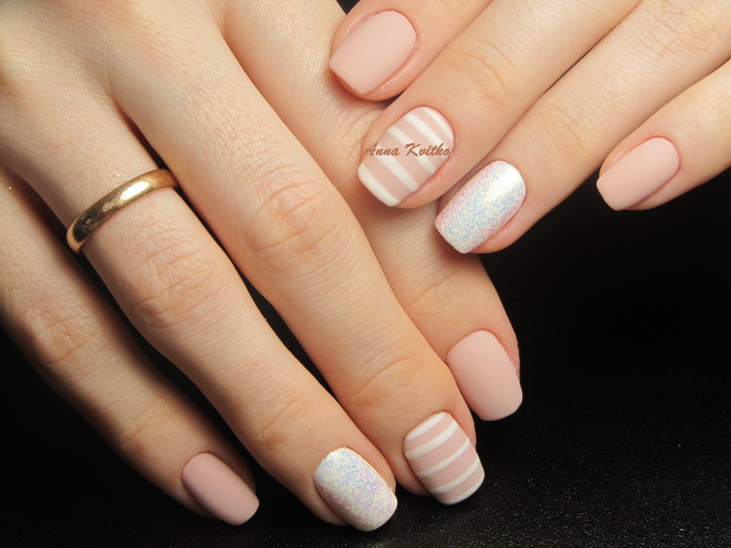 Ногти маникюр светлые