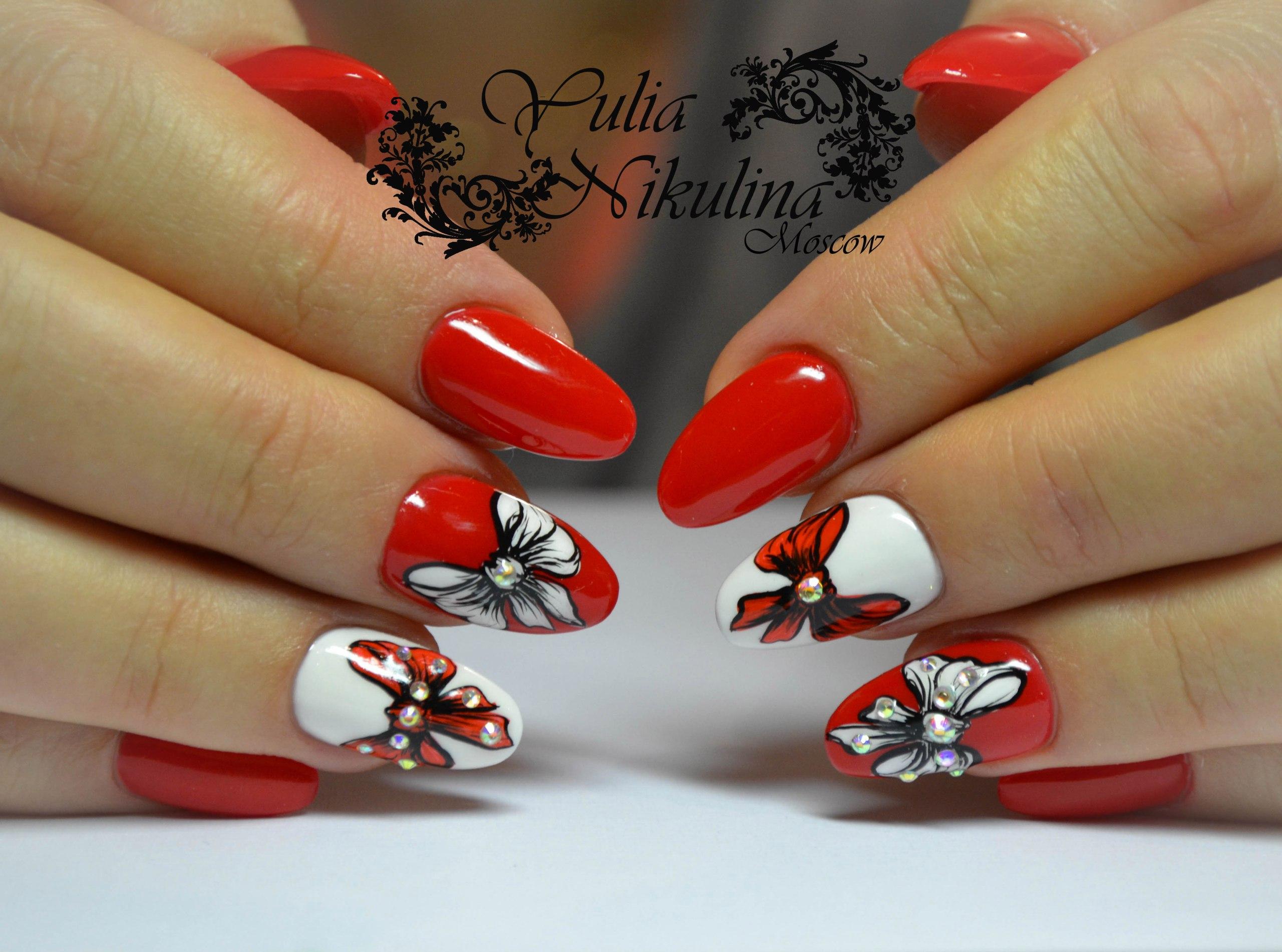 Бантики на ногтях маникюр