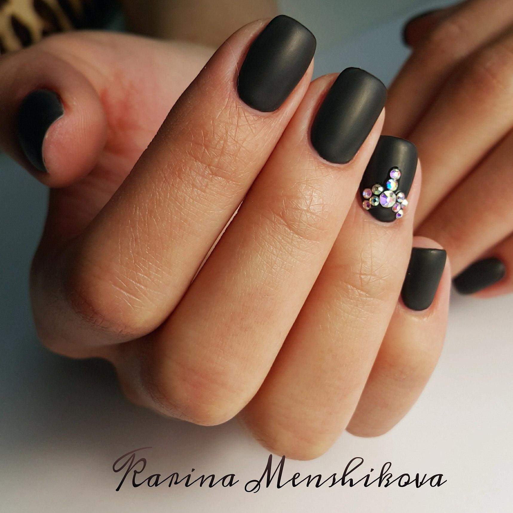 Ногти фото красивые матовые со стразами