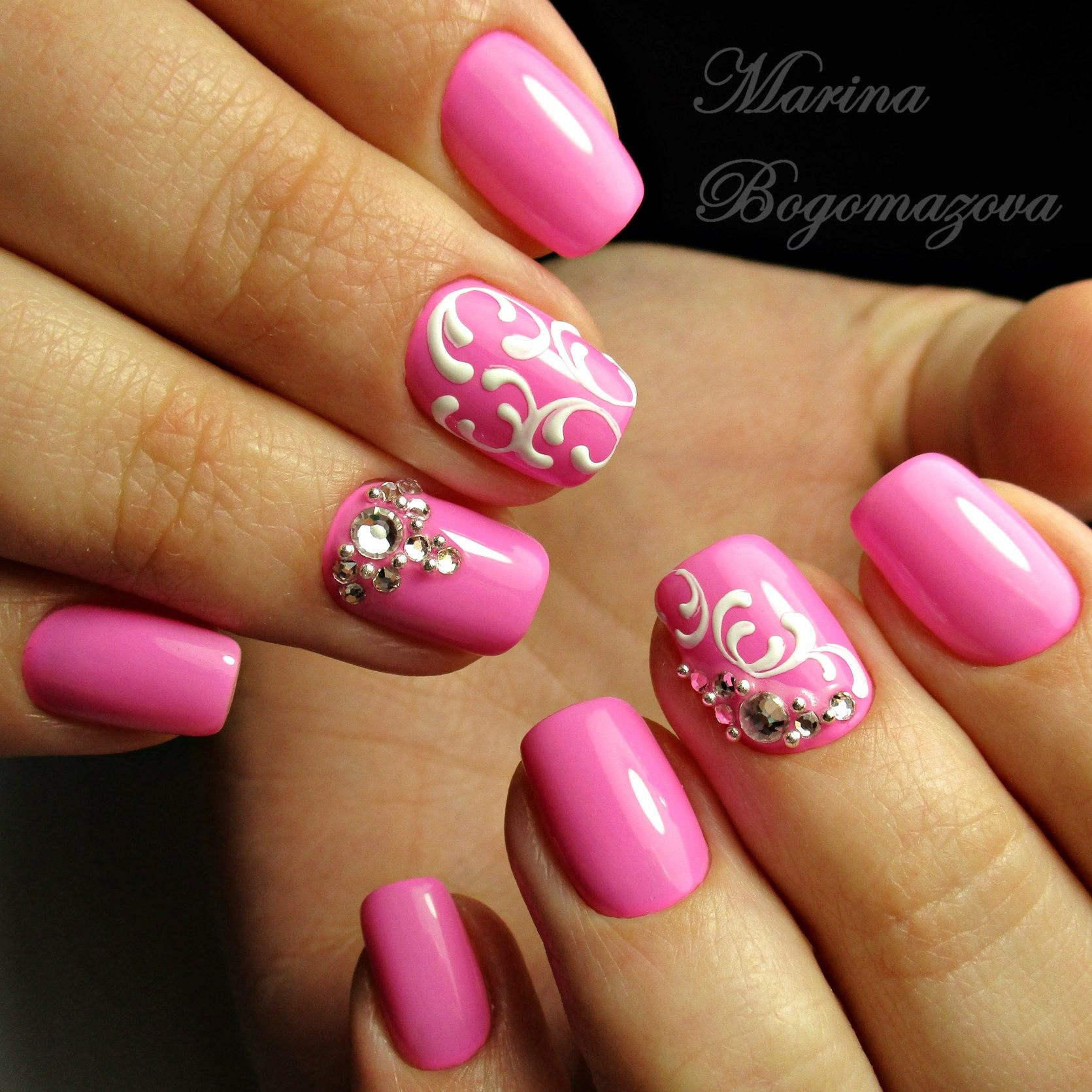 Розовые с белым маникюр фото