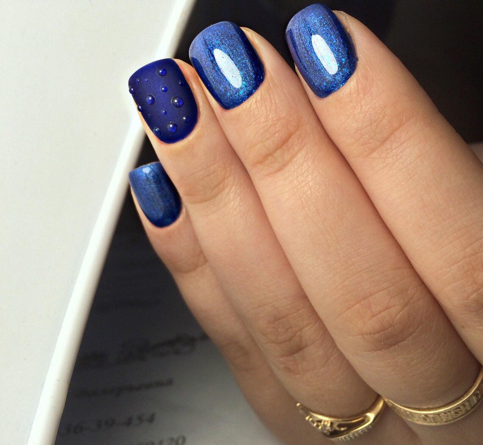 Маникюр в синем цвете фото