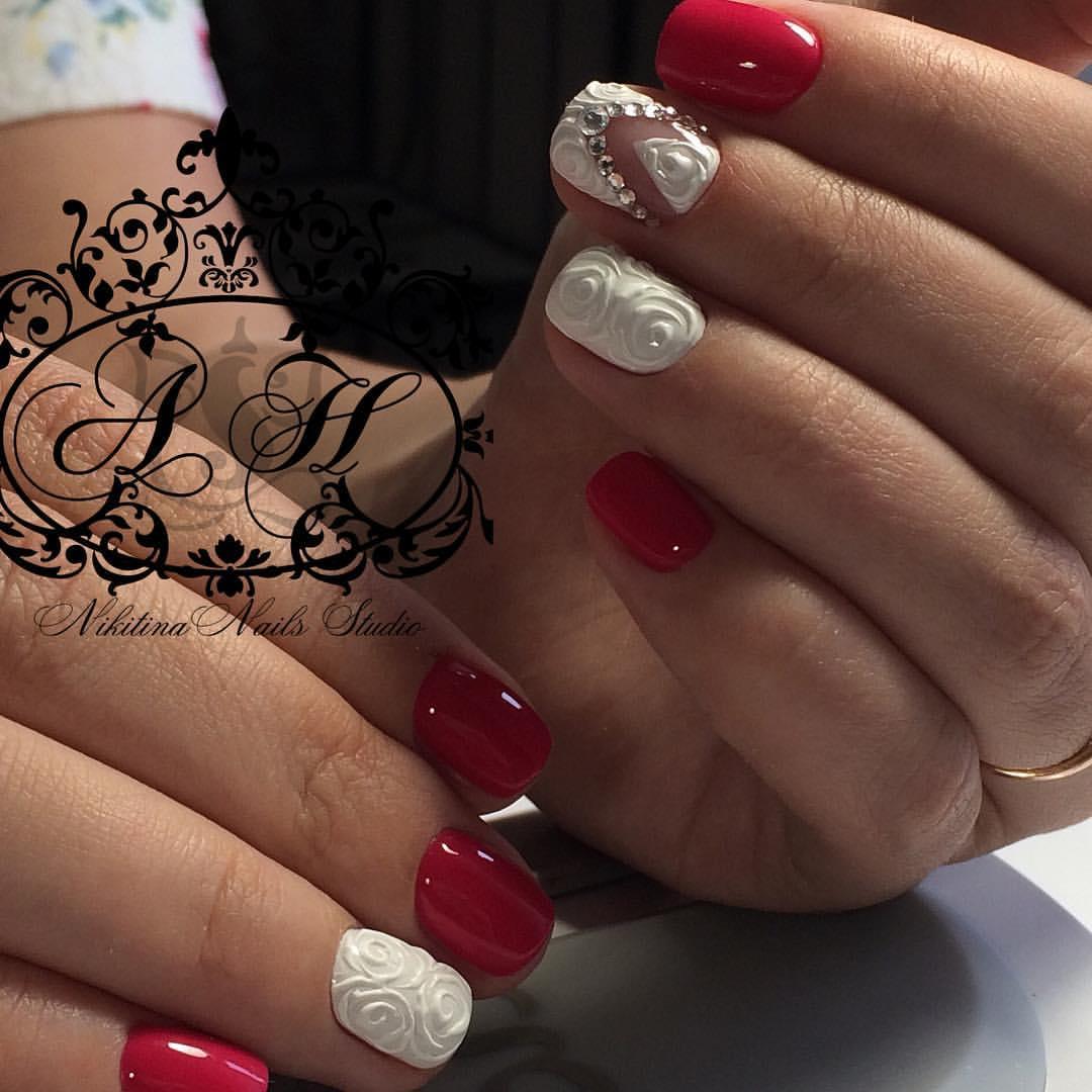 Дизайн красных ногтей со стразами фото новинки