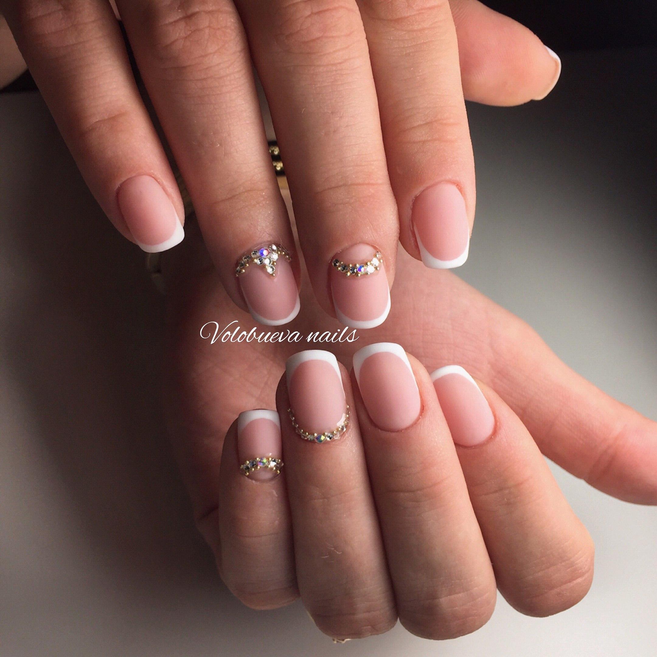 Свадебные рисунки на ногтях френч 32