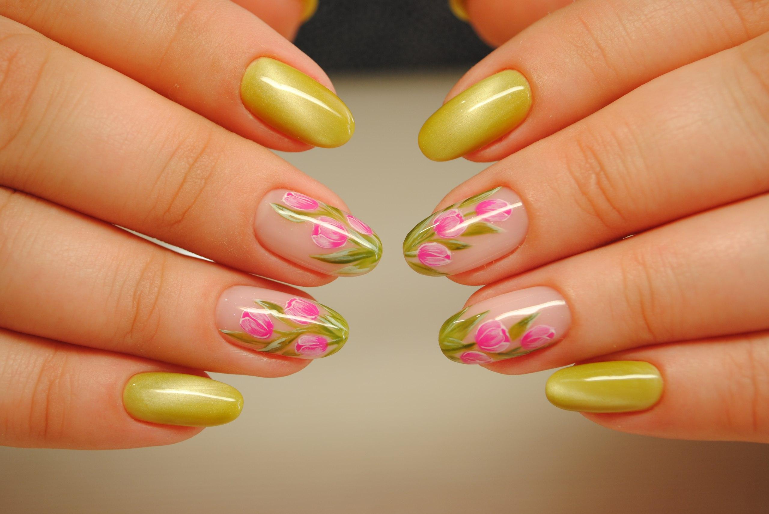 Дизайн ногтей с тюльпанами новинки