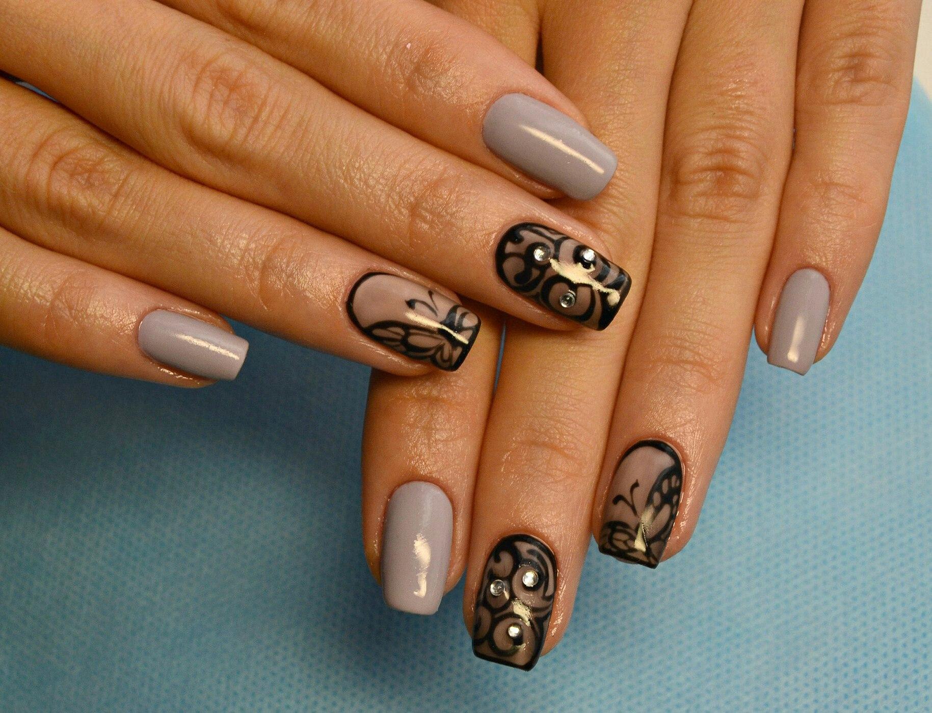 Красивые дизайны ногтей со стразами