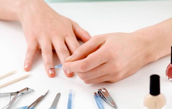 Дизайн ногтей в светлых тонах