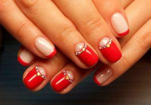 Маникюр со стразами: как нанести стразы на ногти?