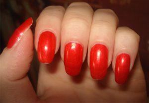 Красный маниюр