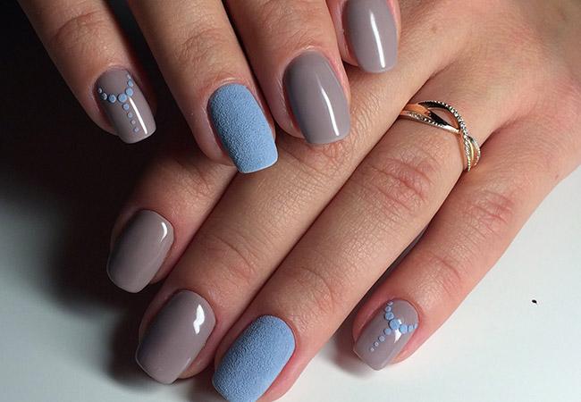 Бархатный песок на ногтях