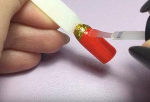 Растяжка блестками на гель-лак: техника выполнения